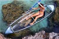Прозрачный каяк для исследования океанского дна