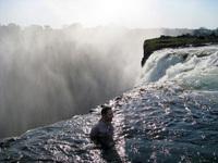 11 фотографий Дьявольского бассейна: искупаться и остаться в живых