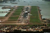 Опасный аэропорт в Гонконге