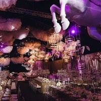 Знаменитая пара путешественников #followmeto поделилась сказочными свадебными фото