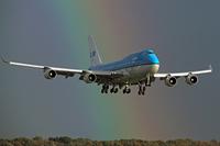 Что случится, если кто-то откроет аварийный выход самолета во время полета?
