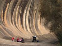 Wave Rock —  эта волна способна удивить любого!