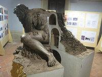 Ты не поверишь своим глазам, когда увидишь, ЧТО таит в себе эта скульптура во Флоренции