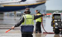 Сколько зарабатывают сотрудники аэропортов в США