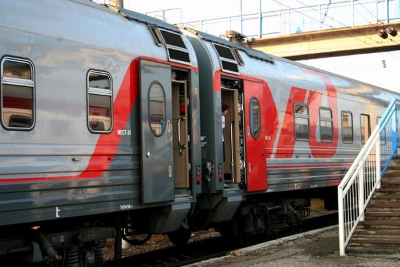 1 сентября чс2т-1045 с фирменным поездом черноморец (санкт-петербург - новороссийск) на перегоне колпино - саблино