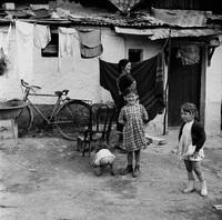 Как жила Европа в 50-е: 31 поразительный черно-белый снимок