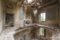 Европа в забвении: 22 незабываемых снимка заброшенных зданий