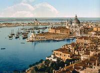 19 удивительных цветных снимков Венеции XIX века