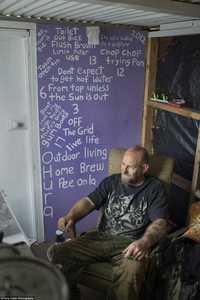 Охура: Колоритные жители города-призрака в Новой Зеландии