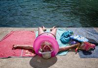 17 «знойных» фото с разных пляжей мира, подтверждающих, что лето — это весело