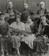 25 ретро-снимков о жизни русских эмигрантов во Франции и Германии в начале 1930-х