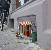В Швеции открыли крошечный магазин для мышей
