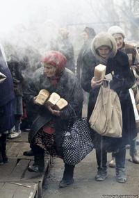 15 снимков из «лихих девяностых», которые вызывают изумление