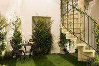Airbnb и Pantone создали дом в Лондоне, который помогает людям побороть зимний блюз