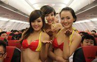 В Россию будет летать лоукостер со стюардессами в бикини