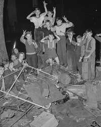1942 год: Как американцы собирали металлолом для военной промышленности