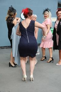 28 феерических фото о том, как прошел День Леди на скачках Grand National в Англии