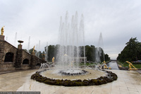 Под фонтанами Петергофа