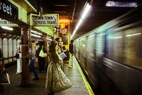 Ад на колесах: 10 впечатляющих фото о жутком нью-йоркском метро 70-80-х годов
