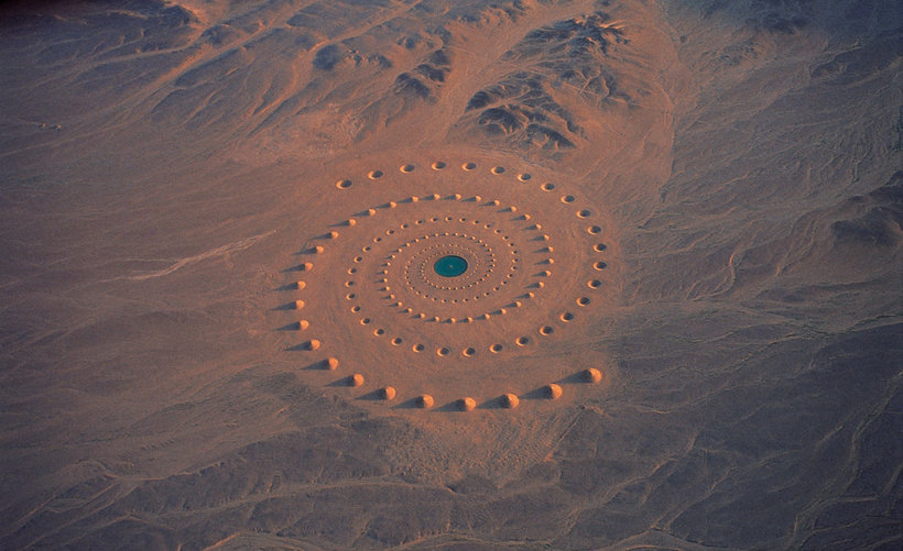 8 очень странных вещей, обнаруженных в пустынях по всему миру