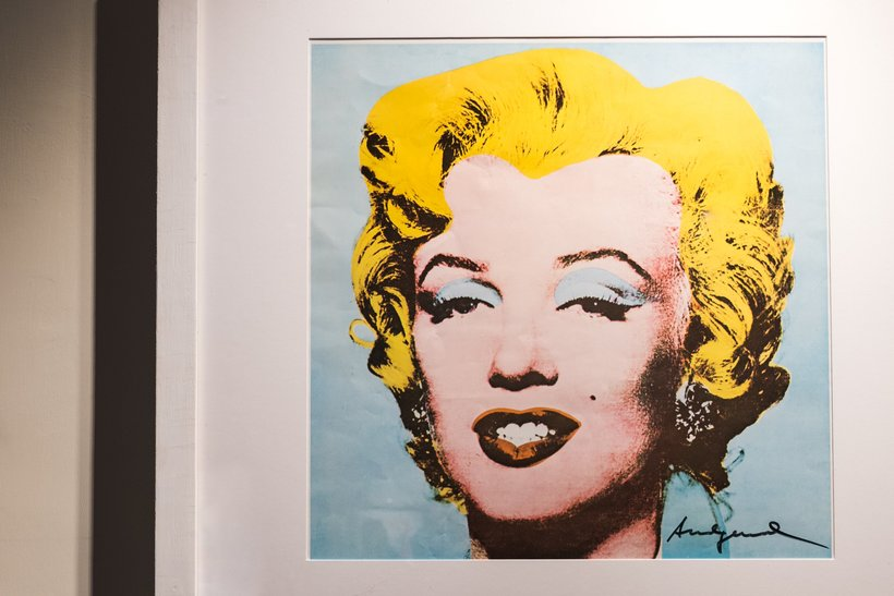 essay on andy warhol As a profound influence on the twentieth century pop art movement, andy warhol ascended to become a cornerstone in the modern art world after taking cues.