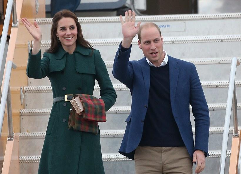 Как путешествует королевская семья: расходы британских монархов на поездки