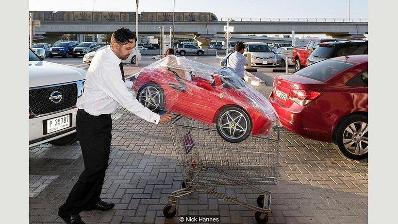 Серия фотографий «Хлеба и зрелищ»: как развлекаются дубайские миллиардеры