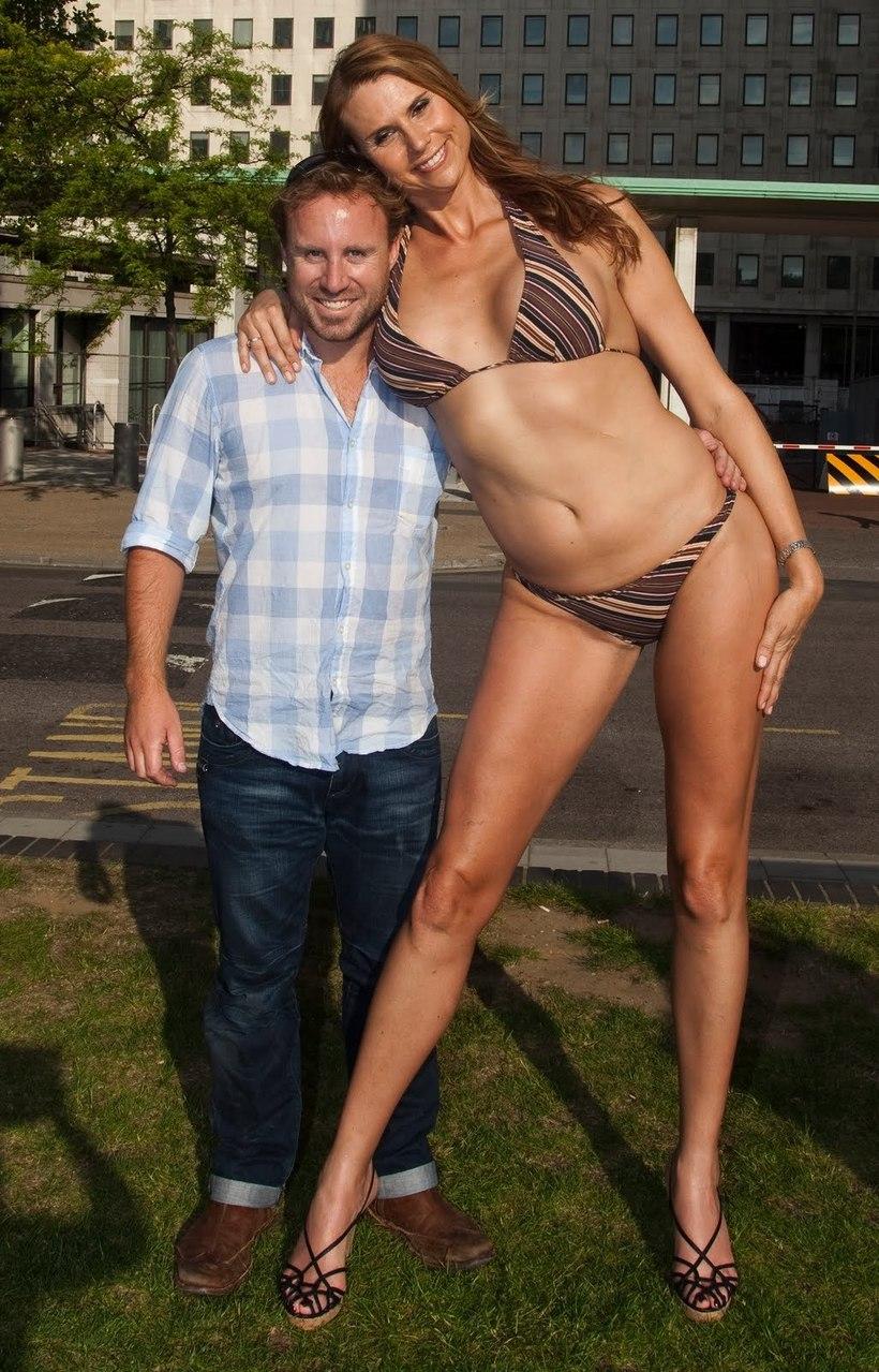 наташа, поглощенная ева бэйбзилла в мини бикини фото допустившие секс
