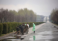 Реальная жизнь Северной Кореи: что видно из окна автомобиля в КНДР