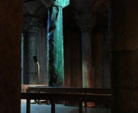Колонна слёз в Цистерне Базилике