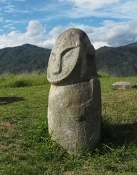 Какая цивилизация оставила гигантские статуи в долине Бада