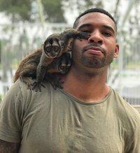 Современный Тарзан: специалист по экзотическим животным стал новой звездой Инстаграма