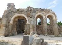 Древние руины в Сиде