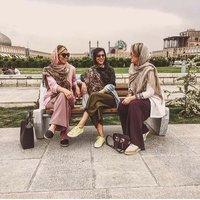 Дальше от народа: 21 фото о том, как живет богатая элита в бедном Иране