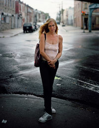 Фотограф представил грустные и страшные фото зависимых на улицах Филадельфии