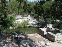 Тайна жертвенного колодца майя: что нашли искатели кладов на дне священного сенота
