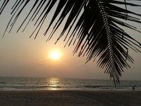 Закат на пляже Колва