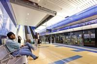 Дубай: платформа метро