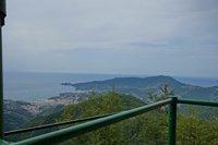 Вид на Геную с вершины Monti Pegge