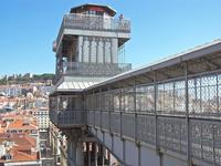 Санта-Жушта: куда ведет необычный лифт ученика Эйфеля, что стоит посреди Лиссабона