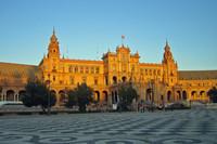 Площадь Испании в лучах заката