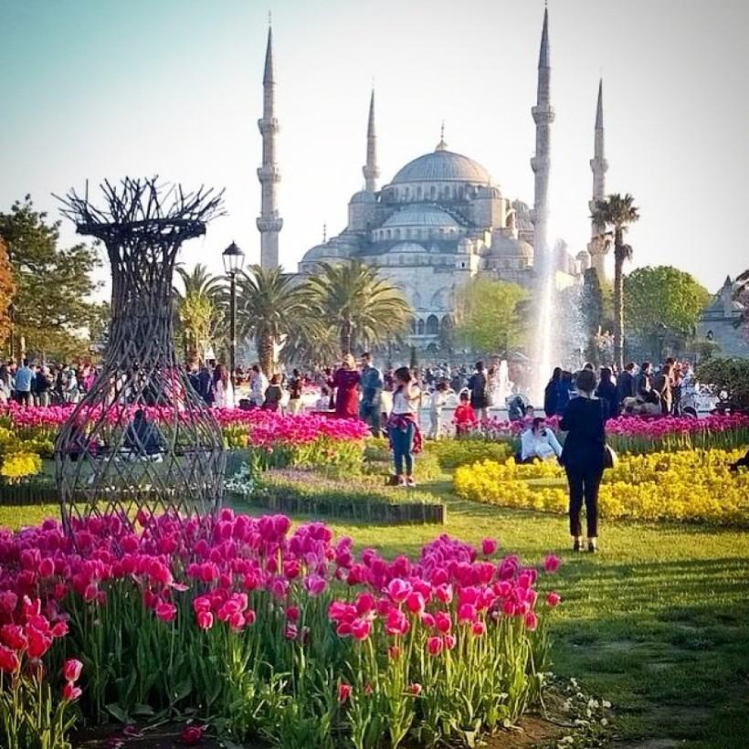 Фестиваль Встречи Весны в Турции