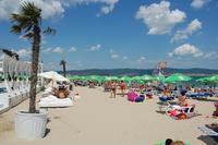 Пляж Болгарии. Июль