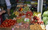 На всех рынках достойный выбор фруктов
