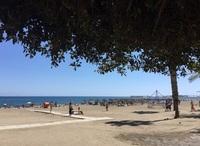 Стандартная октябрьская загруженность стандартного пляжа Малаги