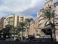 Вот такой красивый в Аликанте Центральный рынок!