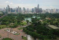 Панорамный вид парка Люмпини