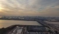 Вид на токийскую бухту с колеса обозрения. Вечер.