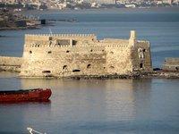 Крепость Кулес в венецианской гавани Ираклиона, март 2018