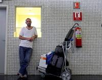 Узники аэропортов: 7 интересных случаев, когда пассажирам пришлось жить в терминалах